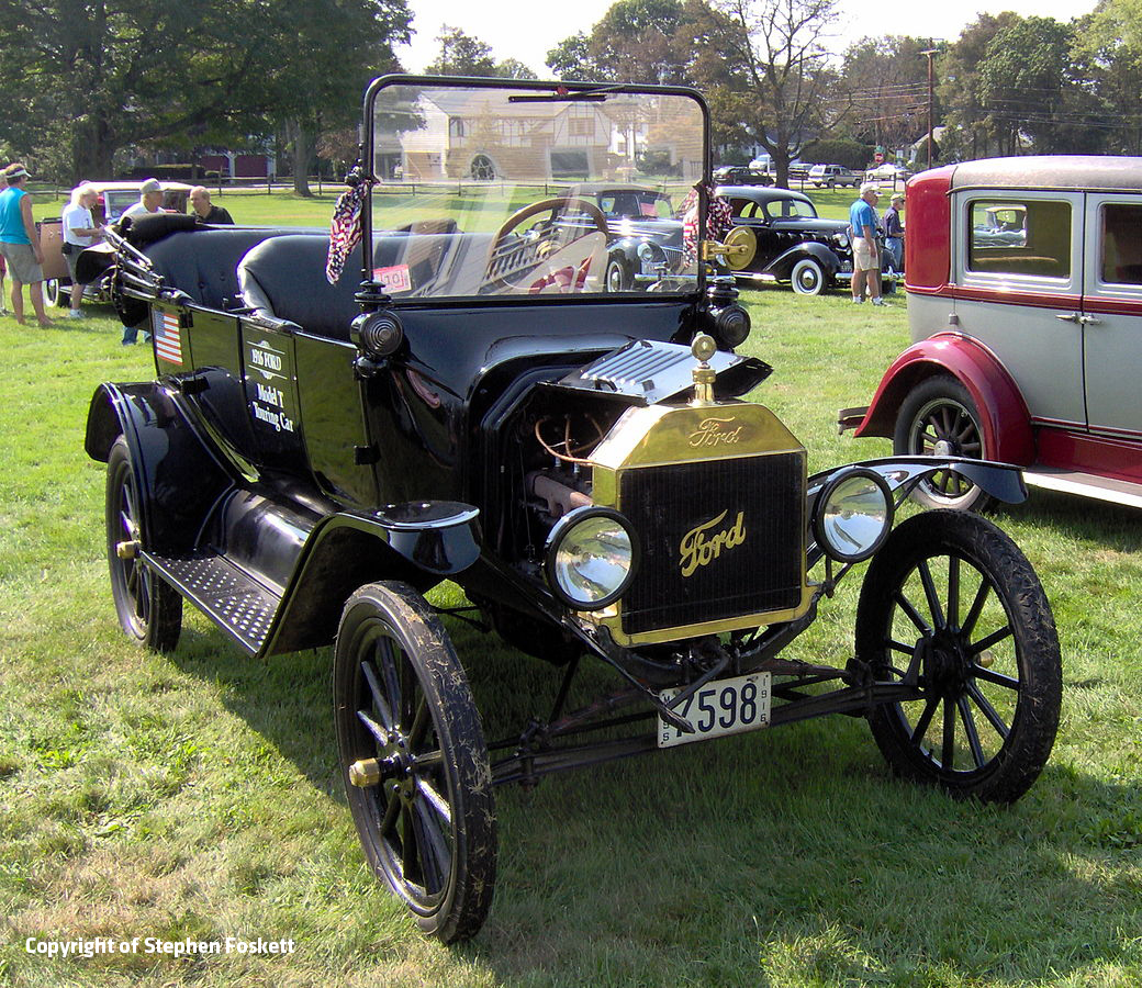 1916_Ford_Model_T_touring_car Stehen Foskett v2